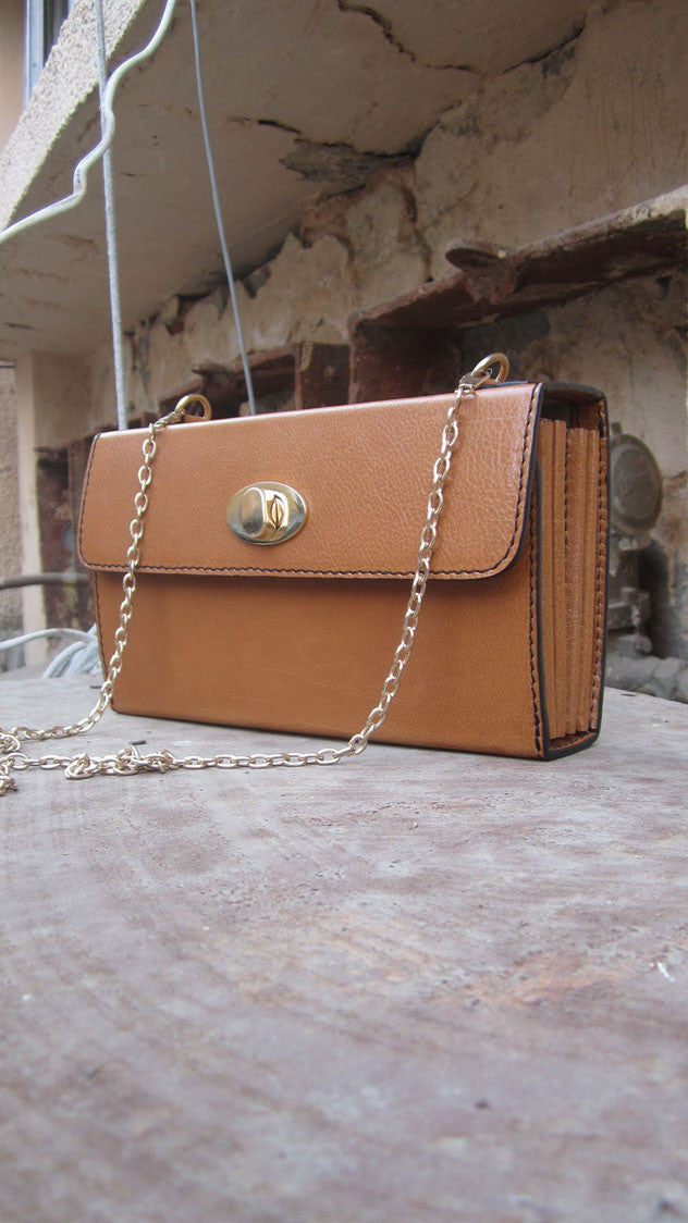 Pumpkin Ellie, Chiaroscuro, India, Pure Leather, Handbag, Bag, Workshop Made, Leather, Bags, Handmade, Artisanal, Leather Work, Leather Workshop, Fashion, Women's Fashion, Women's Accessories, Accessories, Handcrafted, Made In India, Chiaroscuro Bags - 7