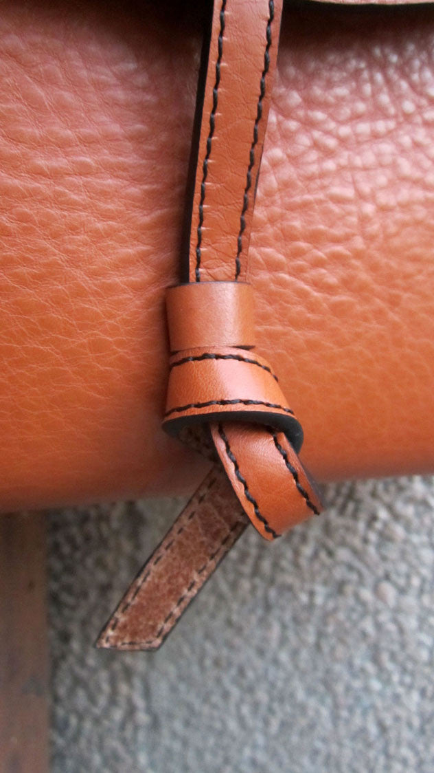 Carrot Big Stella, Chiaroscuro, India, Pure Leather, Handbag, Bag, Workshop Made, Leather, Bags, Handmade, Artisanal, Leather Work, Leather Workshop, Fashion, Women's Fashion, Women's Accessories, Accessories, Handcrafted, Made In India, Chiaroscuro Bags - 3