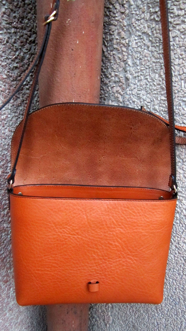 Carrot Big Stella, Chiaroscuro, India, Pure Leather, Handbag, Bag, Workshop Made, Leather, Bags, Handmade, Artisanal, Leather Work, Leather Workshop, Fashion, Women's Fashion, Women's Accessories, Accessories, Handcrafted, Made In India, Chiaroscuro Bags - 6