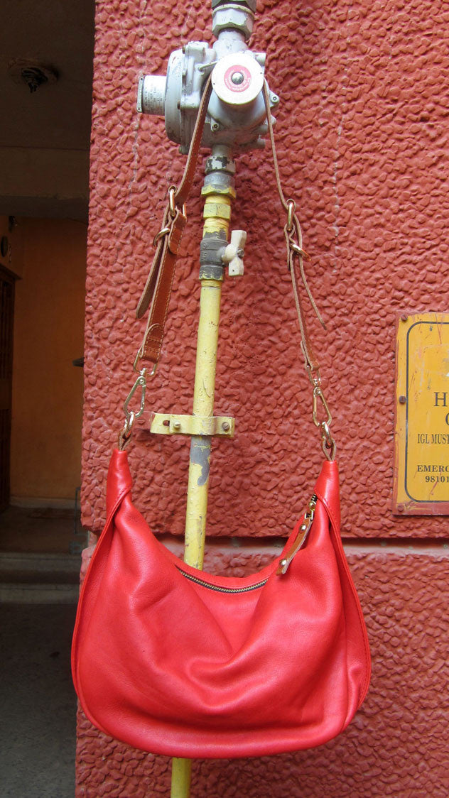 Rose Caro, Chiaroscuro, India, Pure Leather, Handbag, Bag, Workshop Made, Leather, Bags, Handmade, Artisanal, Leather Work, Leather Workshop, Fashion, Women's Fashion, Women's Accessories, Accessories, Handcrafted, Made In India, Chiaroscuro Bags - 2