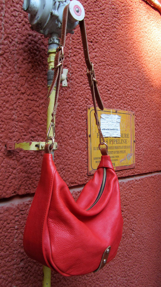 Rose Caro, Chiaroscuro, India, Pure Leather, Handbag, Bag, Workshop Made, Leather, Bags, Handmade, Artisanal, Leather Work, Leather Workshop, Fashion, Women's Fashion, Women's Accessories, Accessories, Handcrafted, Made In India, Chiaroscuro Bags - 3
