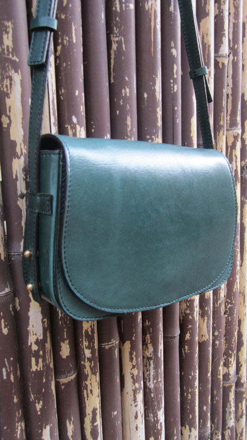 Pine Big Stefanie, Chiaroscuro, India, Pure Leather, Handbag, Bag, Workshop Made, Leather, Bags, Handmade, Artisanal, Leather Work, Leather Workshop, Fashion, Women's Fashion, Women's Accessories, Accessories, Handcrafted, Made In India, Chiaroscuro Bags - 3