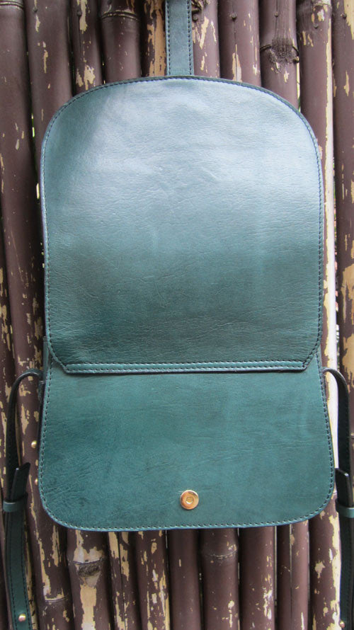 Pine Big Stefanie, Chiaroscuro, India, Pure Leather, Handbag, Bag, Workshop Made, Leather, Bags, Handmade, Artisanal, Leather Work, Leather Workshop, Fashion, Women's Fashion, Women's Accessories, Accessories, Handcrafted, Made In India, Chiaroscuro Bags - 9