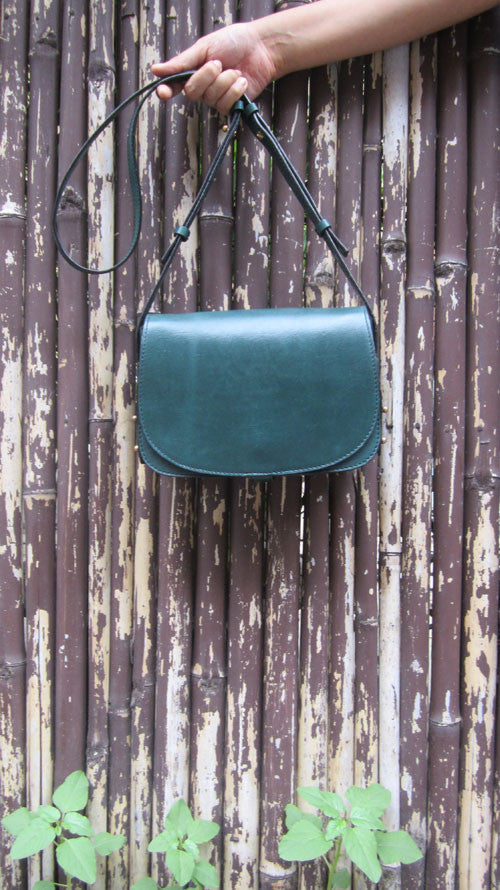 Pine Big Stefanie, Chiaroscuro, India, Pure Leather, Handbag, Bag, Workshop Made, Leather, Bags, Handmade, Artisanal, Leather Work, Leather Workshop, Fashion, Women's Fashion, Women's Accessories, Accessories, Handcrafted, Made In India, Chiaroscuro Bags - 1