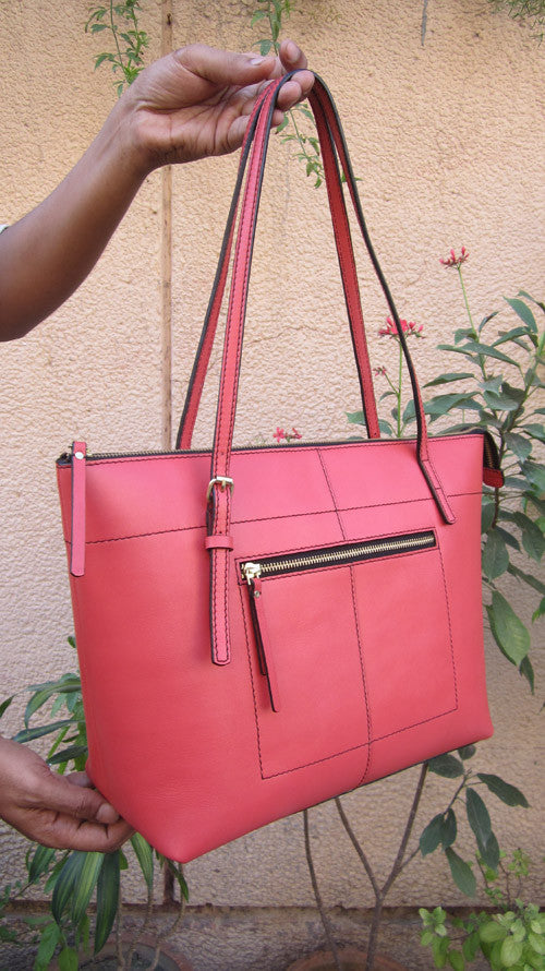 Coral Anabelle, Chiaroscuro, India, Pure Leather, Handbag, Bag, Workshop Made, Leather, Bags, Handmade, Artisanal, Leather Work, Leather Workshop, Fashion, Women's Fashion, Women's Accessories, Accessories, Handcrafted, Made In India, Chiaroscuro Bags - 4