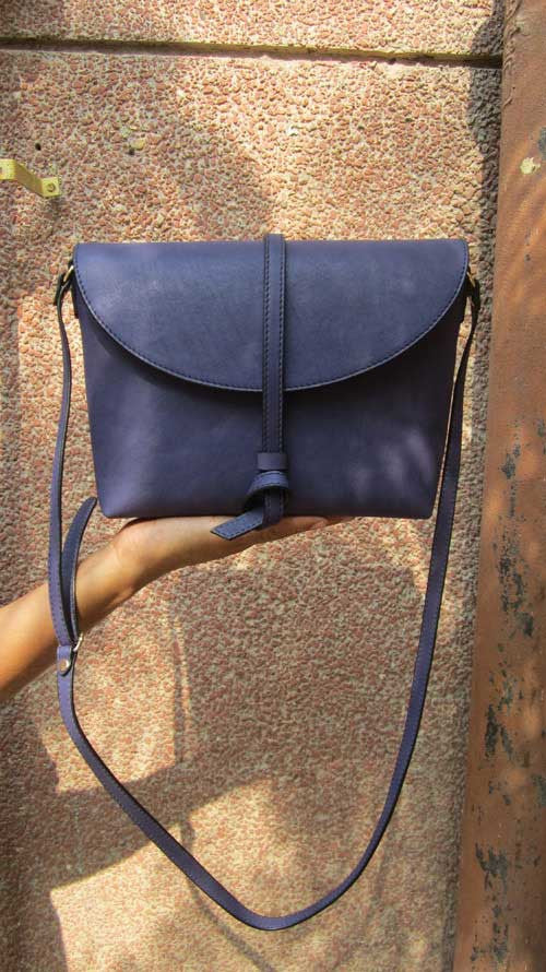 Blueberry Big Stella, Chiaroscuro, India, Pure Leather, Handbag, Bag, Workshop Made, Leather, Bags, Handmade, Artisanal, Leather Work, Leather Workshop, Fashion, Women's Fashion, Women's Accessories, Accessories, Handcrafted, Made In India, Chiaroscuro Bags - 2