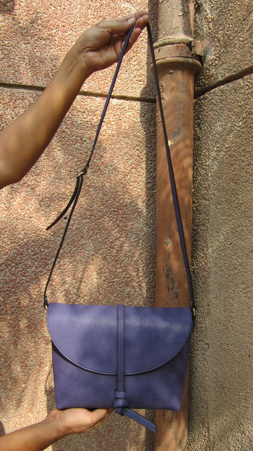 Blueberry Big Stella, Chiaroscuro, India, Pure Leather, Handbag, Bag, Workshop Made, Leather, Bags, Handmade, Artisanal, Leather Work, Leather Workshop, Fashion, Women's Fashion, Women's Accessories, Accessories, Handcrafted, Made In India, Chiaroscuro Bags - 4