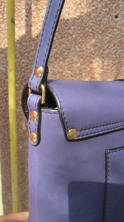 Blueberry Big Stella, Chiaroscuro, India, Pure Leather, Handbag, Bag, Workshop Made, Leather, Bags, Handmade, Artisanal, Leather Work, Leather Workshop, Fashion, Women's Fashion, Women's Accessories, Accessories, Handcrafted, Made In India, Chiaroscuro Bags - 11