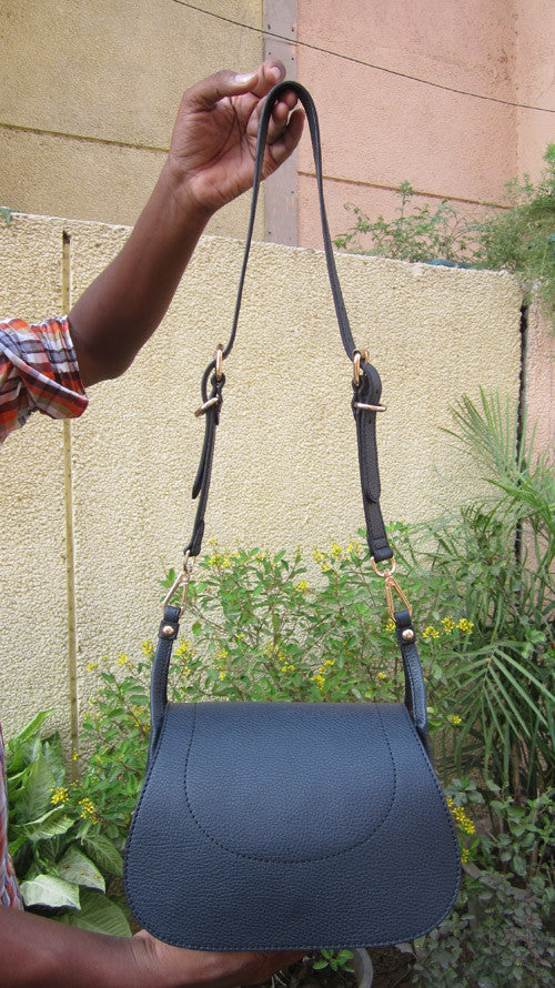 Navy Gigi, Chiaroscuro, India, Pure Leather, Handbag, Bag, Workshop Made, Leather, Bags, Handmade, Artisanal, Leather Work, Leather Workshop, Fashion, Women's Fashion, Women's Accessories, Accessories, Handcrafted, Made In India, Chiaroscuro Bags - 1