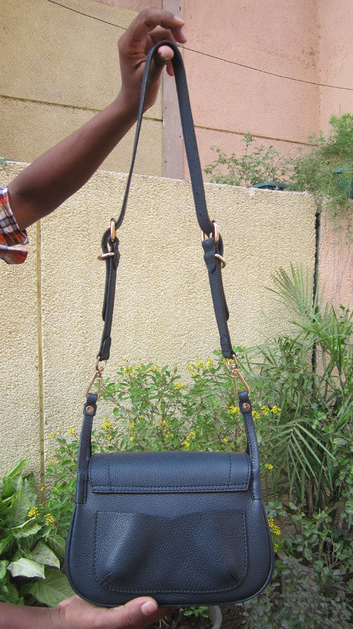 Navy Gigi, Chiaroscuro, India, Pure Leather, Handbag, Bag, Workshop Made, Leather, Bags, Handmade, Artisanal, Leather Work, Leather Workshop, Fashion, Women's Fashion, Women's Accessories, Accessories, Handcrafted, Made In India, Chiaroscuro Bags - 2