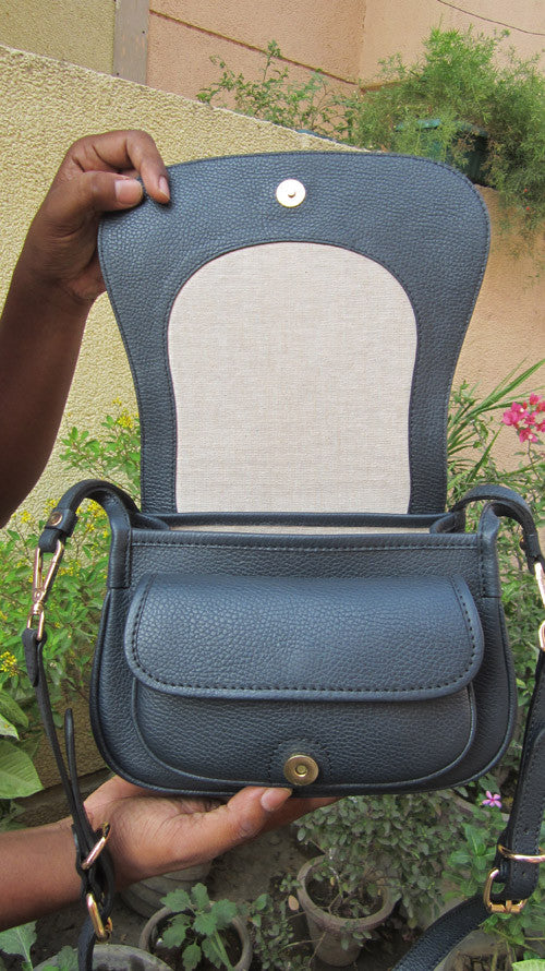 Navy Gigi, Chiaroscuro, India, Pure Leather, Handbag, Bag, Workshop Made, Leather, Bags, Handmade, Artisanal, Leather Work, Leather Workshop, Fashion, Women's Fashion, Women's Accessories, Accessories, Handcrafted, Made In India, Chiaroscuro Bags - 3