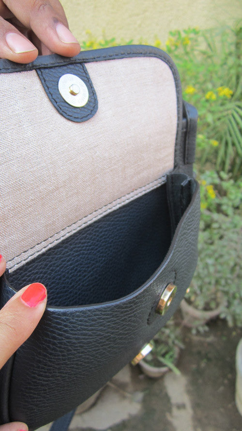 Navy Gigi, Chiaroscuro, India, Pure Leather, Handbag, Bag, Workshop Made, Leather, Bags, Handmade, Artisanal, Leather Work, Leather Workshop, Fashion, Women's Fashion, Women's Accessories, Accessories, Handcrafted, Made In India, Chiaroscuro Bags - 5