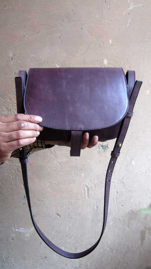 Plum Big Stefanie, Chiaroscuro, India, Pure Leather, Handbag, Bag, Workshop Made, Leather, Bags, Handmade, Artisanal, Leather Work, Leather Workshop, Fashion, Women's Fashion, Women's Accessories, Accessories, Handcrafted, Made In India, Chiaroscuro Bags - 7