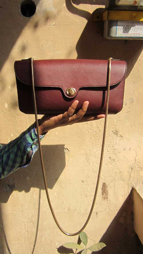Raisin Gabriella, Chiaroscuro, India, Pure Leather, Handbag, Bag, Workshop Made, Leather, Bags, Handmade, Artisanal, Leather Work, Leather Workshop, Fashion, Women's Fashion, Women's Accessories, Accessories, Handcrafted, Made In India, Chiaroscuro Bags - 1