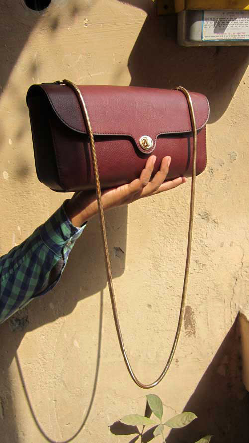 Raisin Gabriella, Chiaroscuro, India, Pure Leather, Handbag, Bag, Workshop Made, Leather, Bags, Handmade, Artisanal, Leather Work, Leather Workshop, Fashion, Women's Fashion, Women's Accessories, Accessories, Handcrafted, Made In India, Chiaroscuro Bags - 2