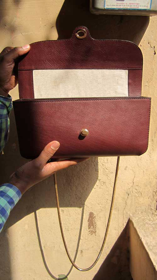Raisin Gabriella, Chiaroscuro, India, Pure Leather, Handbag, Bag, Workshop Made, Leather, Bags, Handmade, Artisanal, Leather Work, Leather Workshop, Fashion, Women's Fashion, Women's Accessories, Accessories, Handcrafted, Made In India, Chiaroscuro Bags - 6