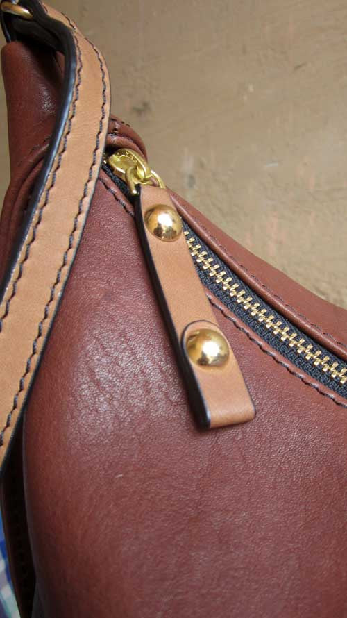 Raisin Little Caro, Chiaroscuro, India, Pure Leather, Handbag, Bag, Workshop Made, Leather, Bags, Handmade, Artisanal, Leather Work, Leather Workshop, Fashion, Women's Fashion, Women's Accessories, Accessories, Handcrafted, Made In India, Chiaroscuro Bags - 7