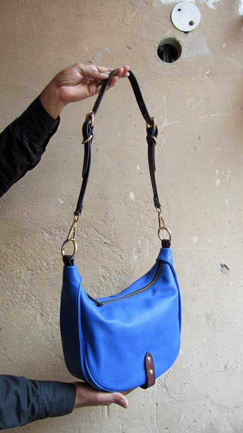Cobalt Caro, Chiaroscuro, India, Pure Leather, Handbag, Bag, Workshop Made, Leather, Bags, Handmade, Artisanal, Leather Work, Leather Workshop, Fashion, Women's Fashion, Women's Accessories, Accessories, Handcrafted, Made In India, Chiaroscuro Bags - 2