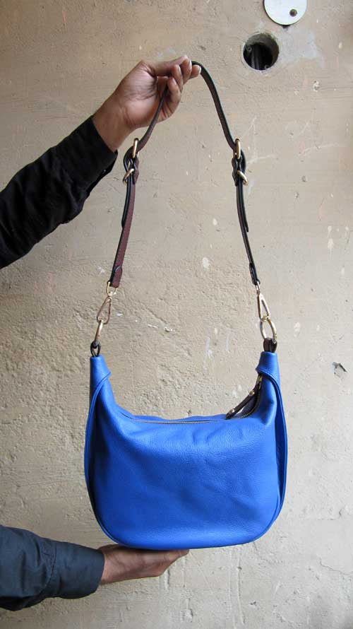 Cobalt Caro, Chiaroscuro, India, Pure Leather, Handbag, Bag, Workshop Made, Leather, Bags, Handmade, Artisanal, Leather Work, Leather Workshop, Fashion, Women's Fashion, Women's Accessories, Accessories, Handcrafted, Made In India, Chiaroscuro Bags - 6