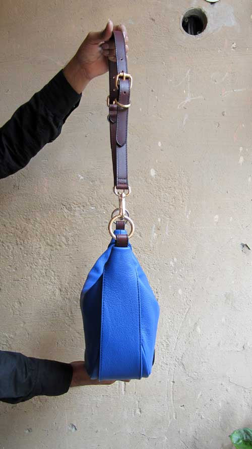 Cobalt Caro, Chiaroscuro, India, Pure Leather, Handbag, Bag, Workshop Made, Leather, Bags, Handmade, Artisanal, Leather Work, Leather Workshop, Fashion, Women's Fashion, Women's Accessories, Accessories, Handcrafted, Made In India, Chiaroscuro Bags - 5