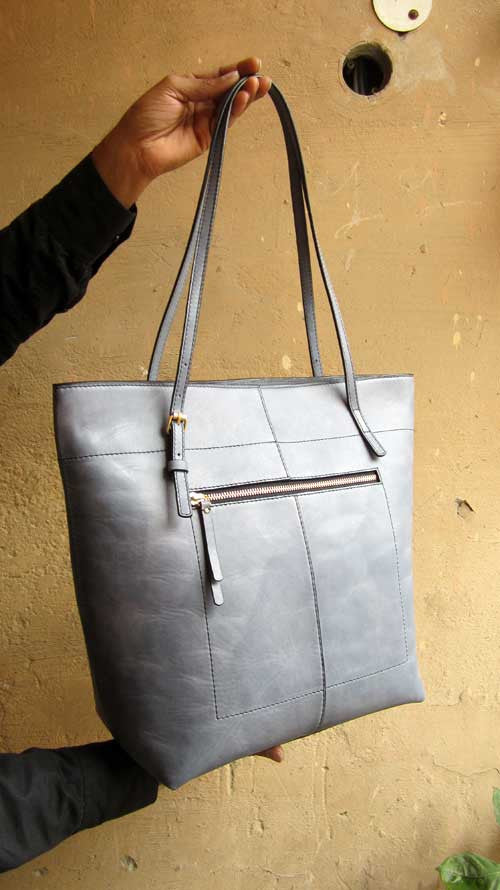 Sky Emma, Chiaroscuro, India, Pure Leather, Handbag, Bag, Workshop Made, Leather, Bags, Handmade, Artisanal, Leather Work, Leather Workshop, Fashion, Women's Fashion, Women's Accessories, Accessories, Handcrafted, Made In India, Chiaroscuro Bags - 5