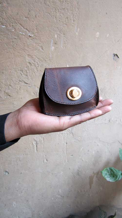Chestnut Nicola, Chiaroscuro, India, Pure Leather, Handbag, Bag, Workshop Made, Leather, Bags, Handmade, Artisanal, Leather Work, Leather Workshop, Fashion, Women's Fashion, Women's Accessories, Accessories, Handcrafted, Made In India, Chiaroscuro Bags - 1