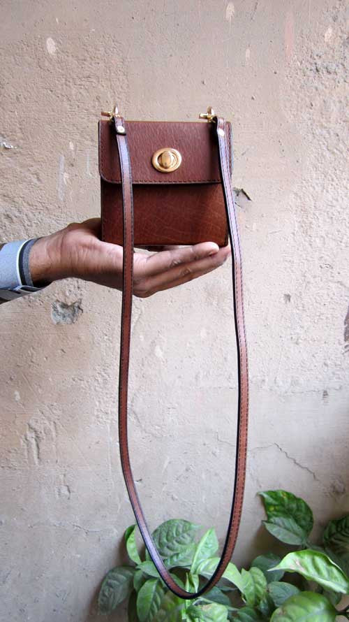 Honey Almond Little Ellie, Chiaroscuro, India, Pure Leather, Handbag, Bag, Workshop Made, Leather, Bags, Handmade, Artisanal, Leather Work, Leather Workshop, Fashion, Women's Fashion, Women's Accessories, Accessories, Handcrafted, Made In India, Chiaroscuro Bags - 4