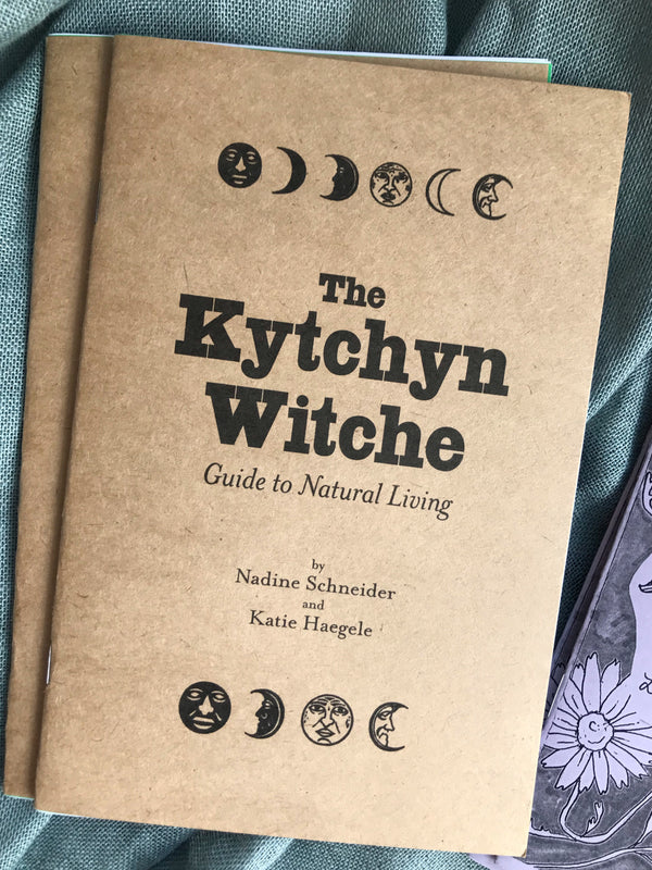 The Kytchyn Witche: Guide to Natural Living - Keven Craft Rituals