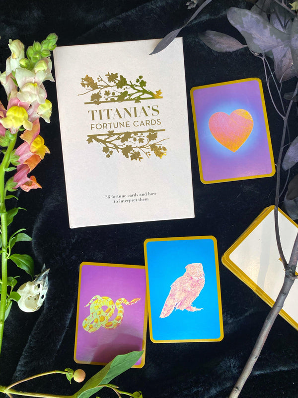 Titania's Fortune Cards : 36 Fortune Cards and How to Interpret them - Keven Craft Rituals