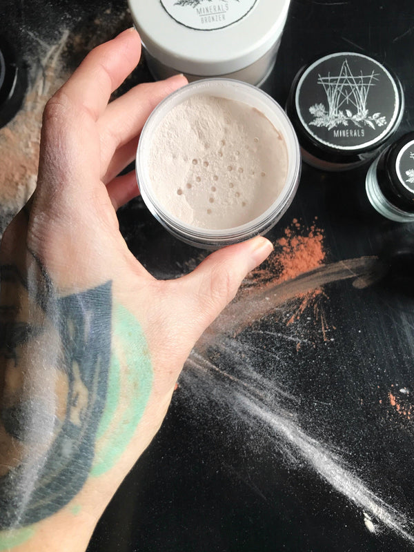 Mineral Luminux Highlighter, Hand-Blended Loose Powder