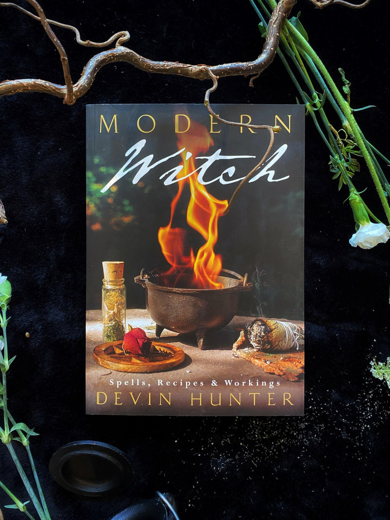 Modern Witch: Spells, Recipes, and Workings - Keven Craft Rituals
