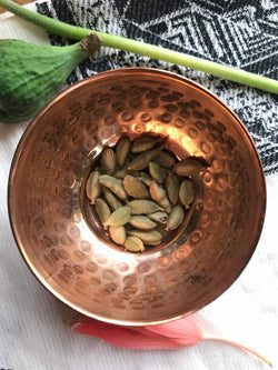 Cardamom Pods (Elettaria cardamomum) - Witching Herbs - Keven Craft Rituals