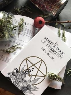 The Master Book of Herbalism - Keven Craft Rituals