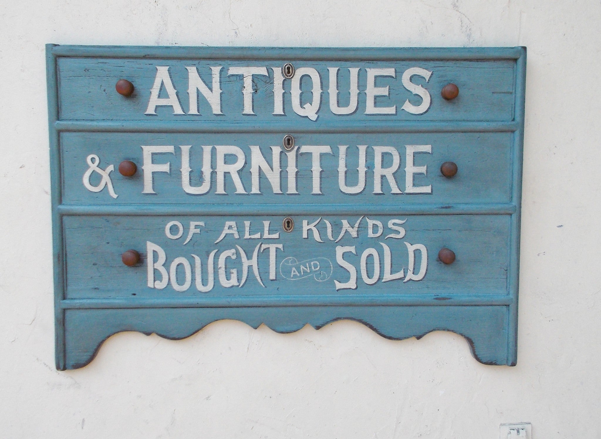 Antiques & Furniture sign