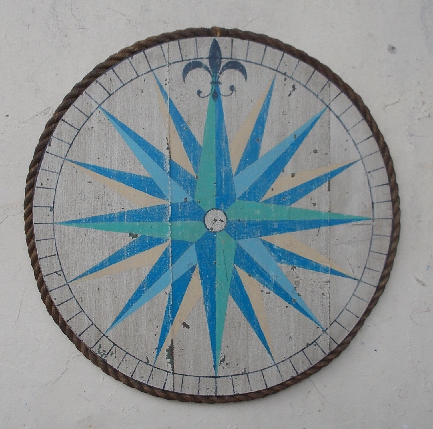 Compass Rose with Rope Molding