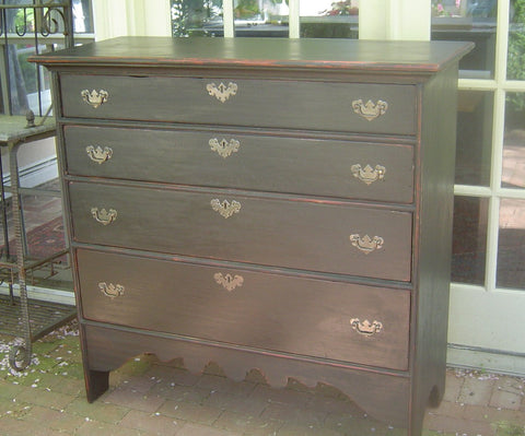 William and Mary 4-Drawer Graduated Chest