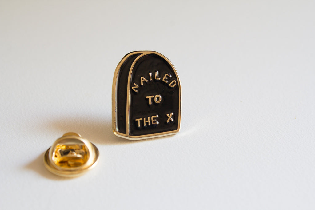 Straight edge lapel pin