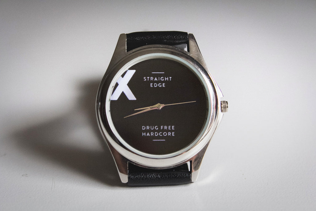 Metal straight edge watch in silver finish