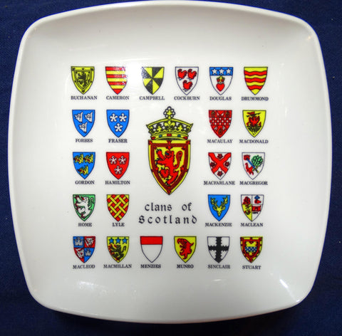 PLASTIC SOUVENIR ASHTRAY - CLANS OF SCOTLAND