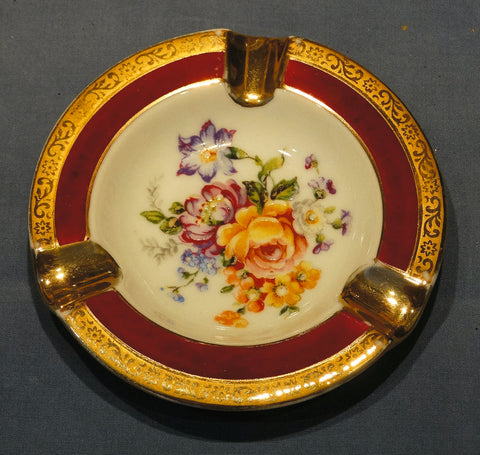 BEAUTIFUL LIMOGES PORCELAIN GOLD-TRIMMED ASHTRAY