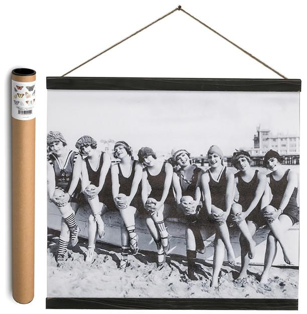 Wall Banner - Vintage Women Sitting