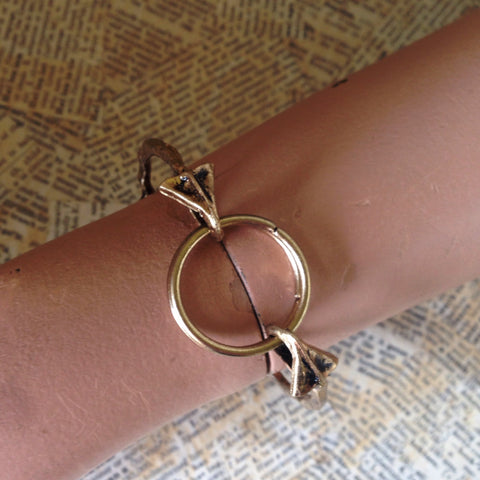 antique gold arrow bracelet