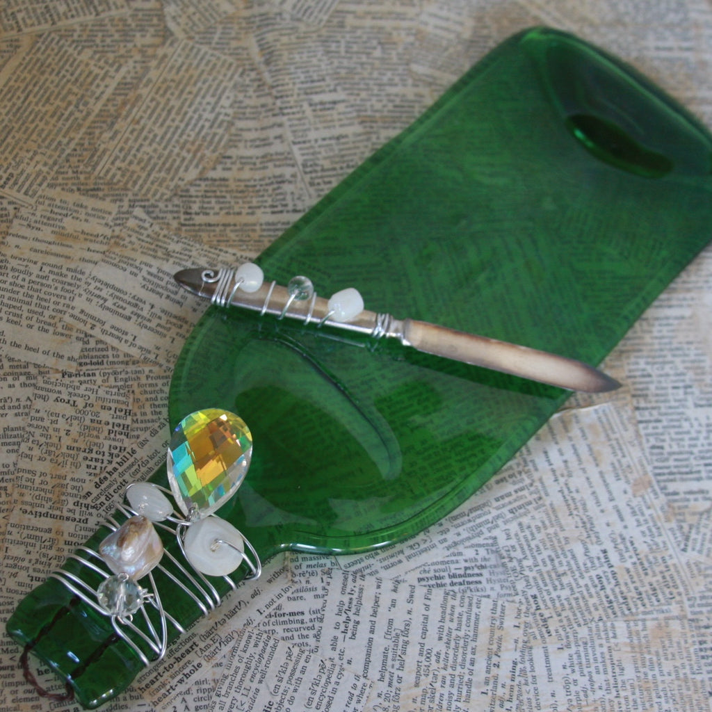 wine bottle platter & serving knife