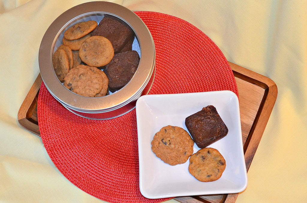 Brownie & Cookie Sampler - Crumbolicious