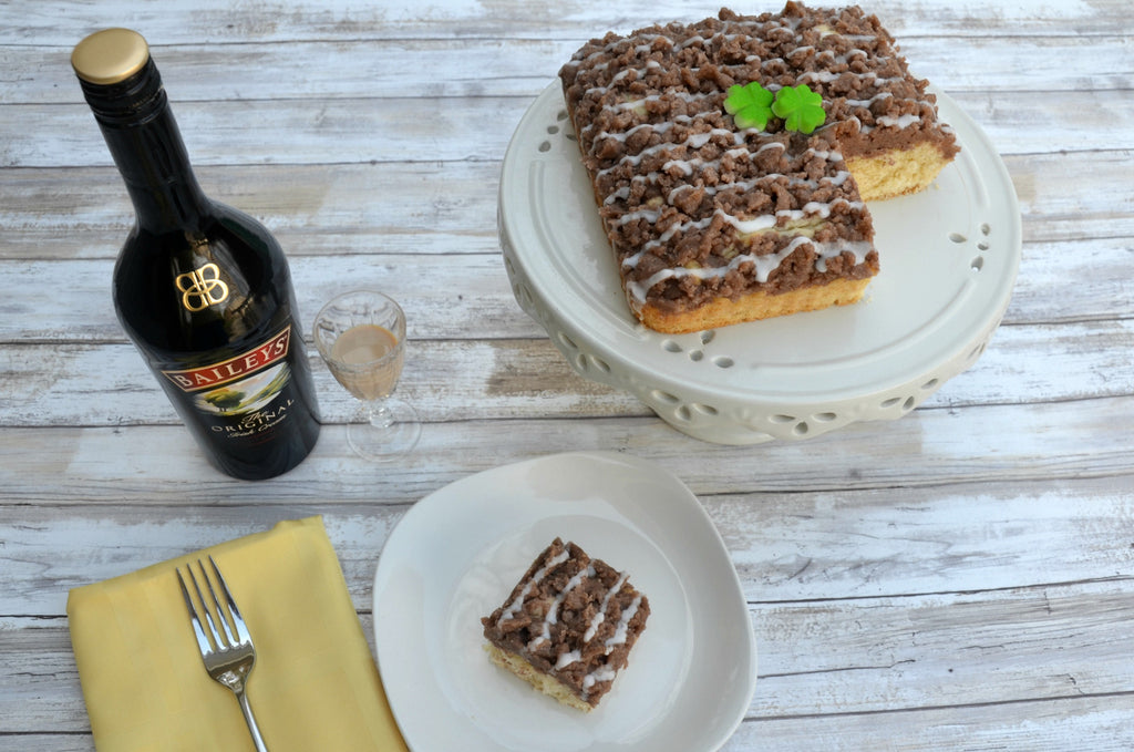 Irish Cream Crumb Cake - Crumbolicious