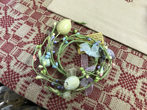 "2.5"" Candle Ring with Lace and Eggs"