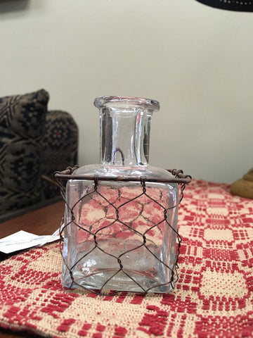 Small square vase with chicken wire