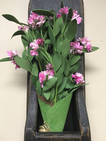 "15"" Pink Mill Creek Bouquet"