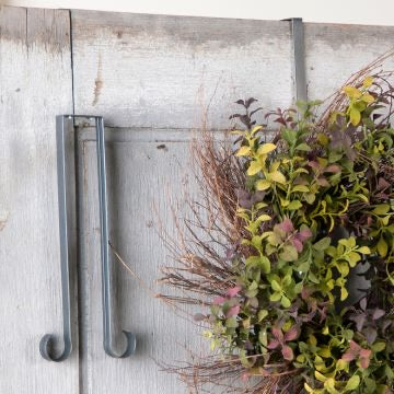 Wreath Hook in Country Tin