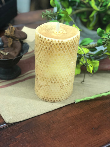 "Burnt Ivory Beeswax Moving Flame Candle 3.4""x5"""
